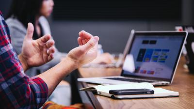 Souscription Assurance Vie par une Entreprise : L'article 82 en Sursalaire